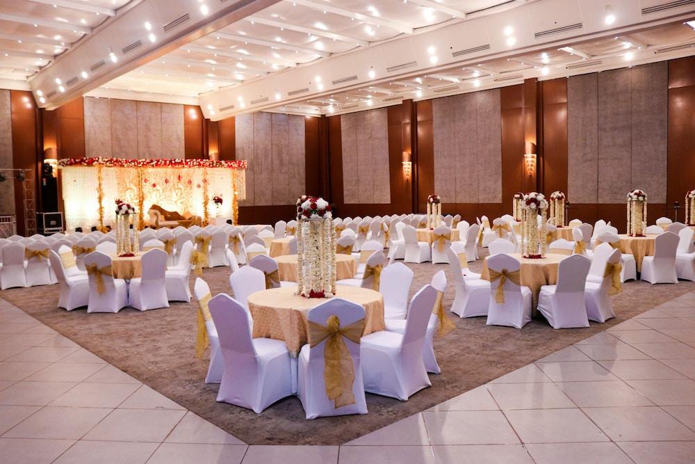 래디슨 블루 호텔 그레이터 노이다(Radisson Blu Hotel Greater Noida) Hotel Image 112 - Indoor Wedding
