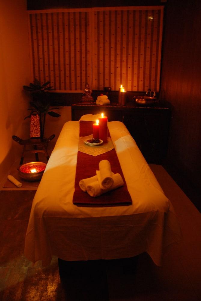 래디슨 블루 호텔 그레이터 노이다(Radisson Blu Hotel Greater Noida) Hotel Image 61 - Treatment Room