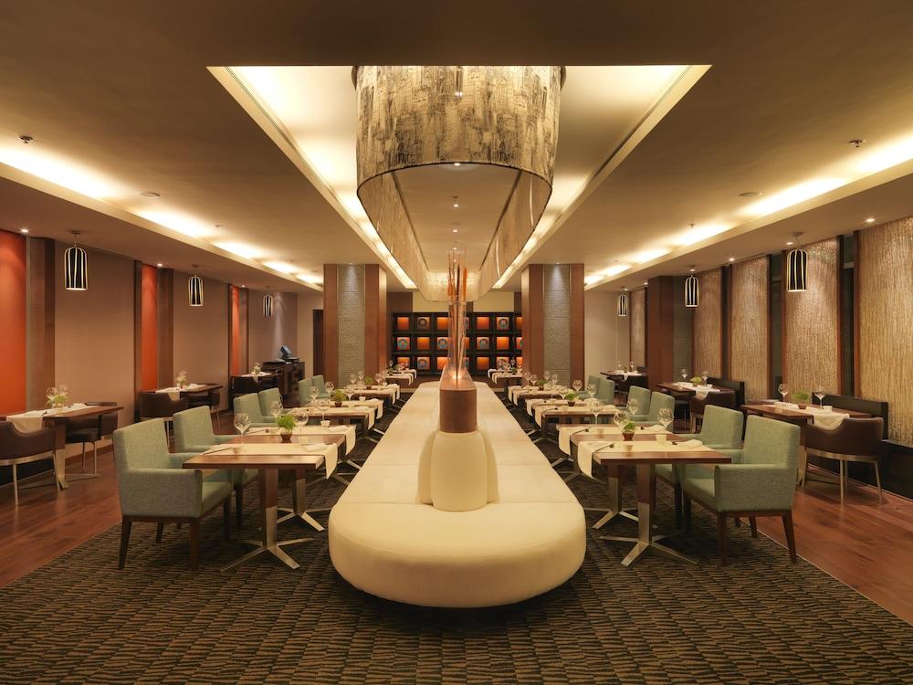래디슨 블루 호텔 그레이터 노이다(Radisson Blu Hotel Greater Noida) Hotel Image 69 - Dining