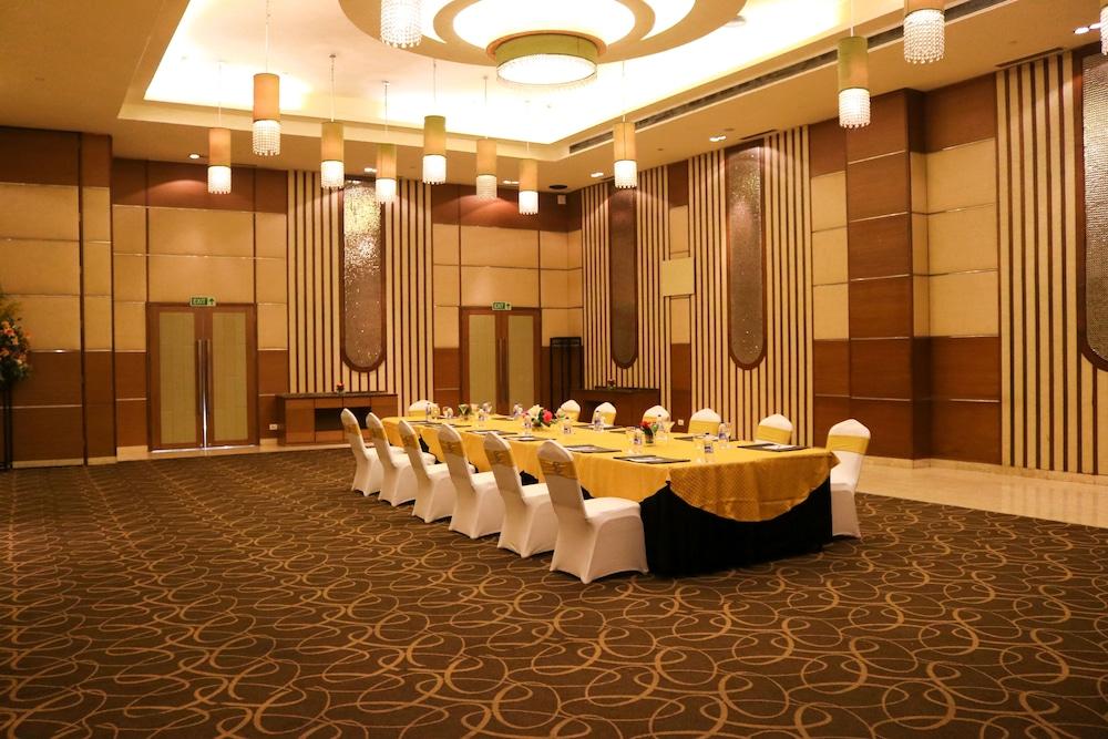 래디슨 블루 호텔 그레이터 노이다(Radisson Blu Hotel Greater Noida) Hotel Image 107 - Banquet Hall