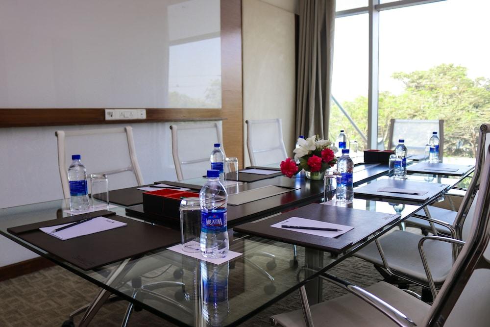 래디슨 블루 호텔 그레이터 노이다(Radisson Blu Hotel Greater Noida) Hotel Image 119 - Meeting Facility