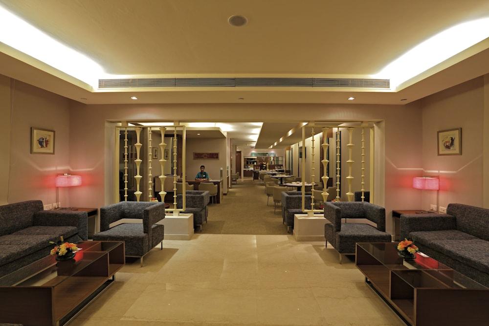 래디슨 블루 호텔 그레이터 노이다(Radisson Blu Hotel Greater Noida) Hotel Image 133 - Executive Lounge