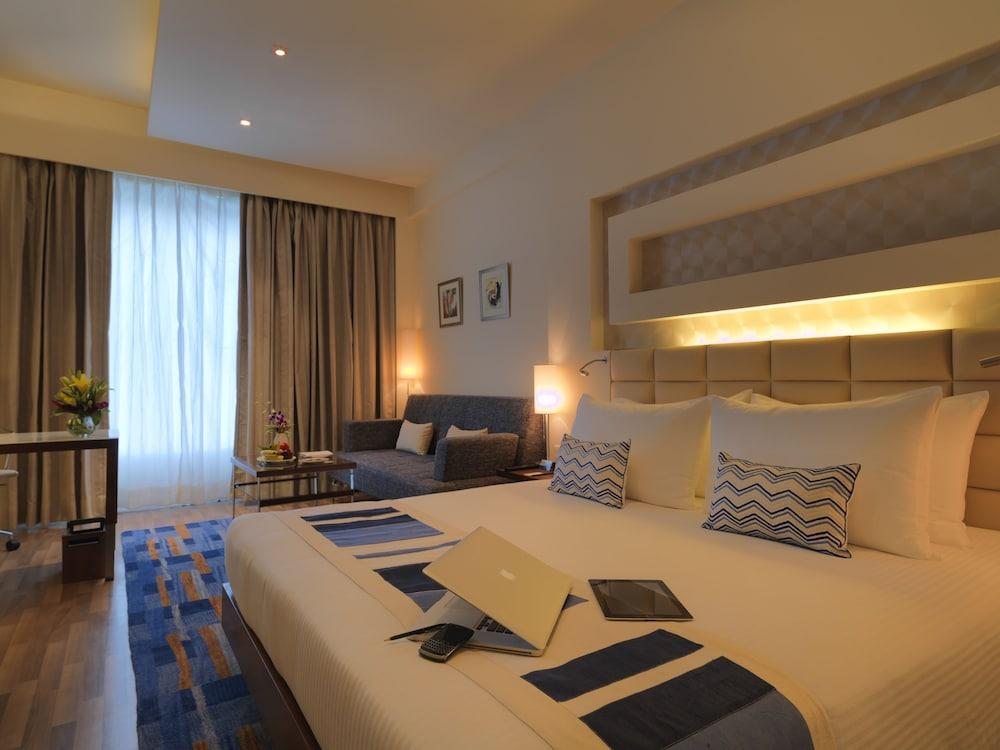 래디슨 블루 호텔 그레이터 노이다(Radisson Blu Hotel Greater Noida) Hotel Image 52 - Guestroom