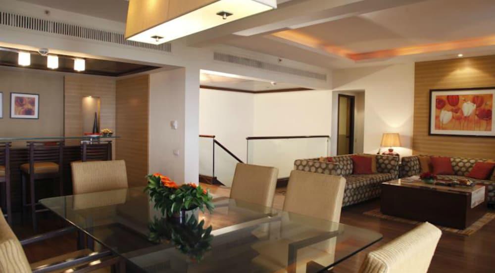 더 리트리트 호텔 & 컨벤션 센터(The Retreat Hotel & Convention Centre) Hotel Image 21 - Living Area