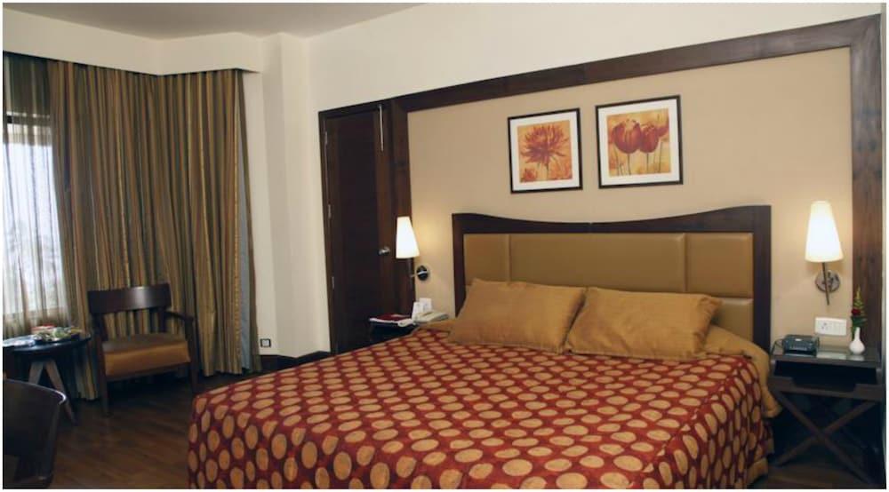 더 리트리트 호텔 & 컨벤션 센터(The Retreat Hotel & Convention Centre) Hotel Image 3 - Guestroom