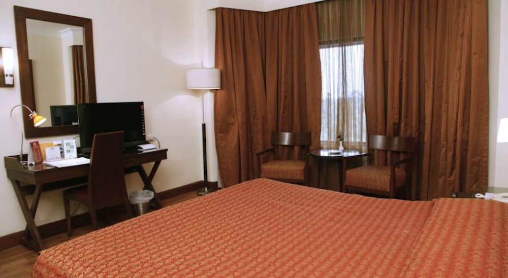 더 리트리트 호텔 & 컨벤션 센터(The Retreat Hotel & Convention Centre) Hotel Image 9 - Guestroom
