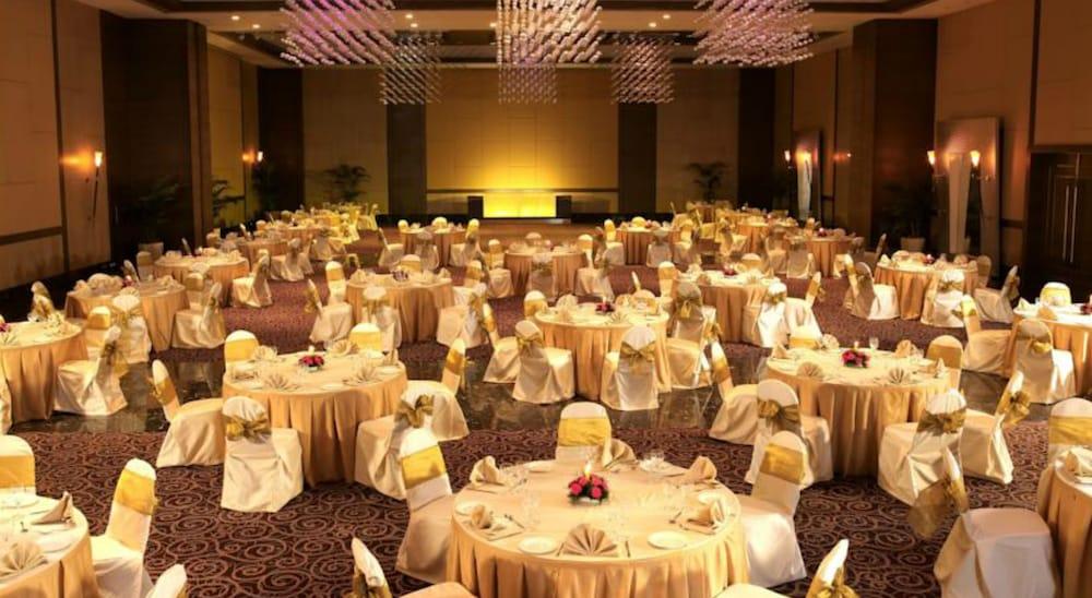 더 리트리트 호텔 & 컨벤션 센터(The Retreat Hotel & Convention Centre) Hotel Image 43 - Banquet Hall