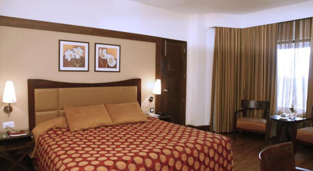 더 리트리트 호텔 & 컨벤션 센터(The Retreat Hotel & Convention Centre) Hotel Image 10 - Guestroom