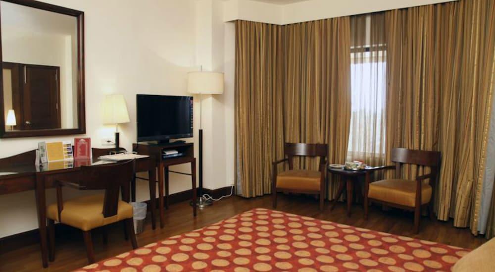 더 리트리트 호텔 & 컨벤션 센터(The Retreat Hotel & Convention Centre) Hotel Image 8 - Guestroom