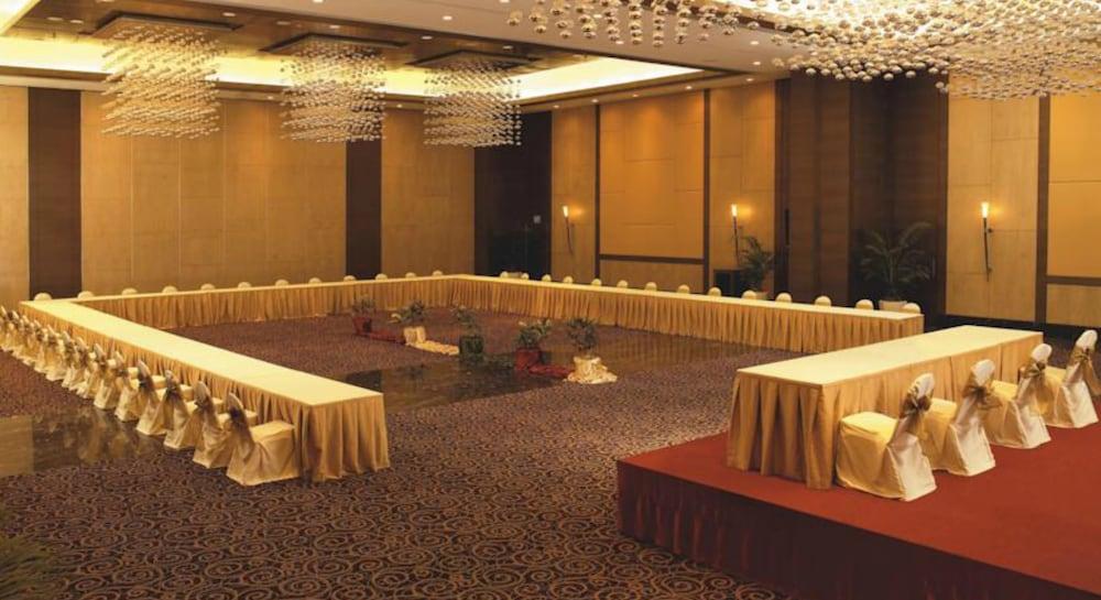 더 리트리트 호텔 & 컨벤션 센터(The Retreat Hotel & Convention Centre) Hotel Image 44 - Banquet Hall