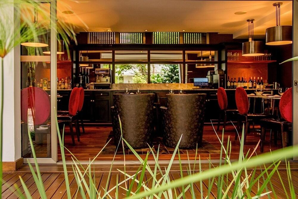 라 인마쿨라다(La Inmaculada) Hotel Image 20 - Hotel Bar
