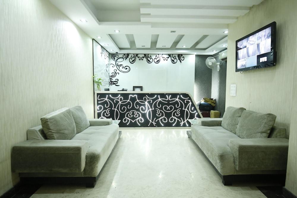 호텔 비스타 인(Hotel Vista Inn) Hotel Image 2 - Lobby Sitting Area