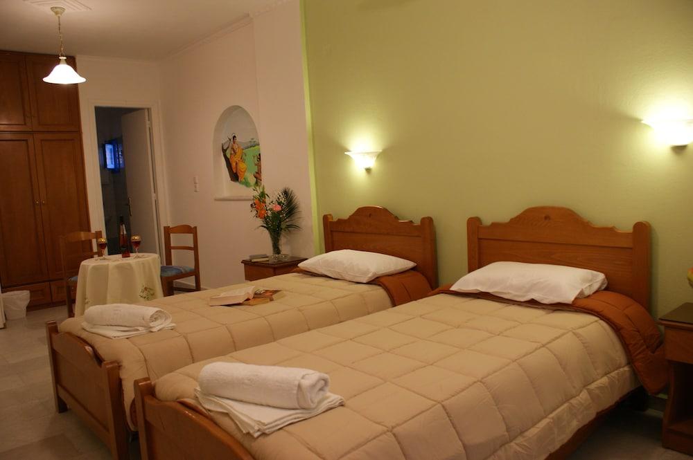 마이크스 스튜디오(Mike's Studios) Hotel Image 10 - Guestroom