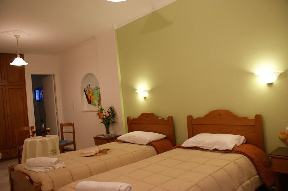 마이크스 스튜디오(Mike's Studios) Hotel Image 11 - Guestroom