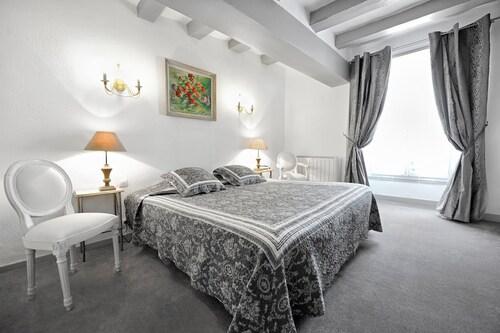 __{offers.Best_flights}__ Hotel La Roseraie