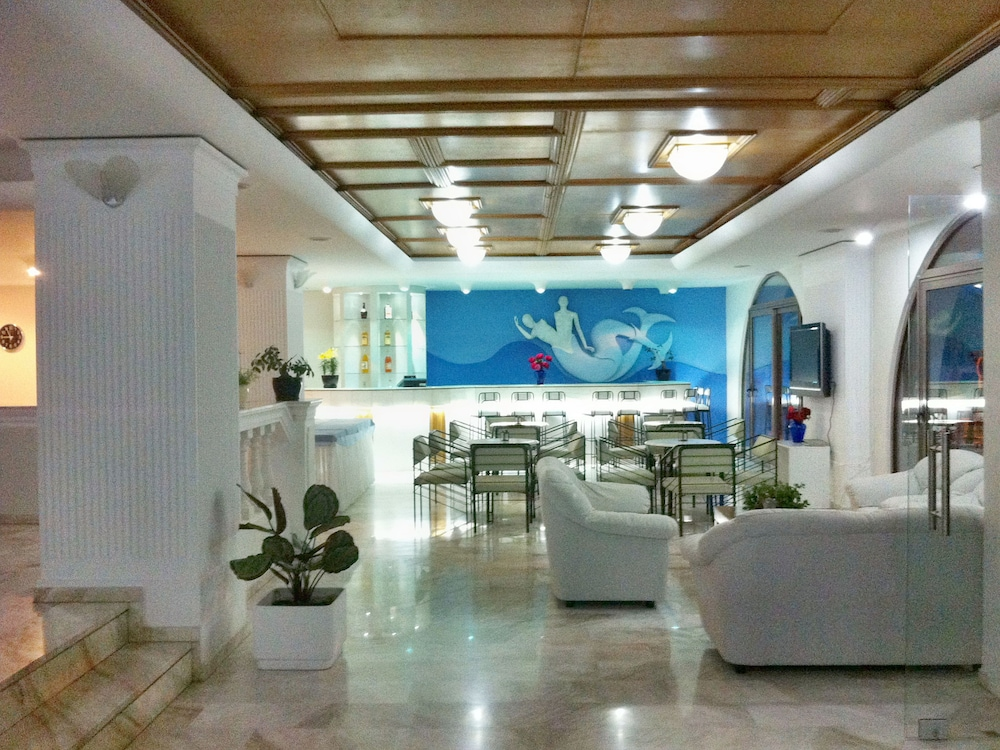 코스 베이 호텔(Kos Bay Hotel) Hotel Image 2 - Lobby Sitting Area