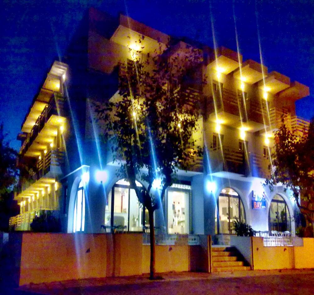 코스 베이 호텔(Kos Bay Hotel) Hotel Image 55 - Hotel Front - Evening/Night