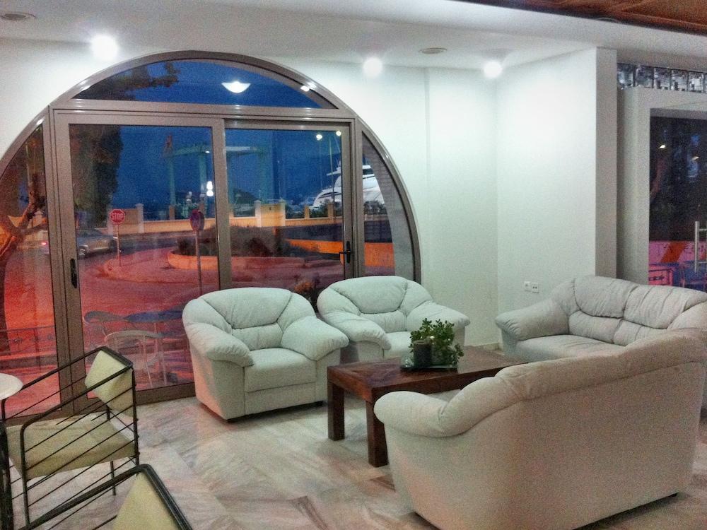코스 베이 호텔(Kos Bay Hotel) Hotel Image 1 - Lobby Sitting Area