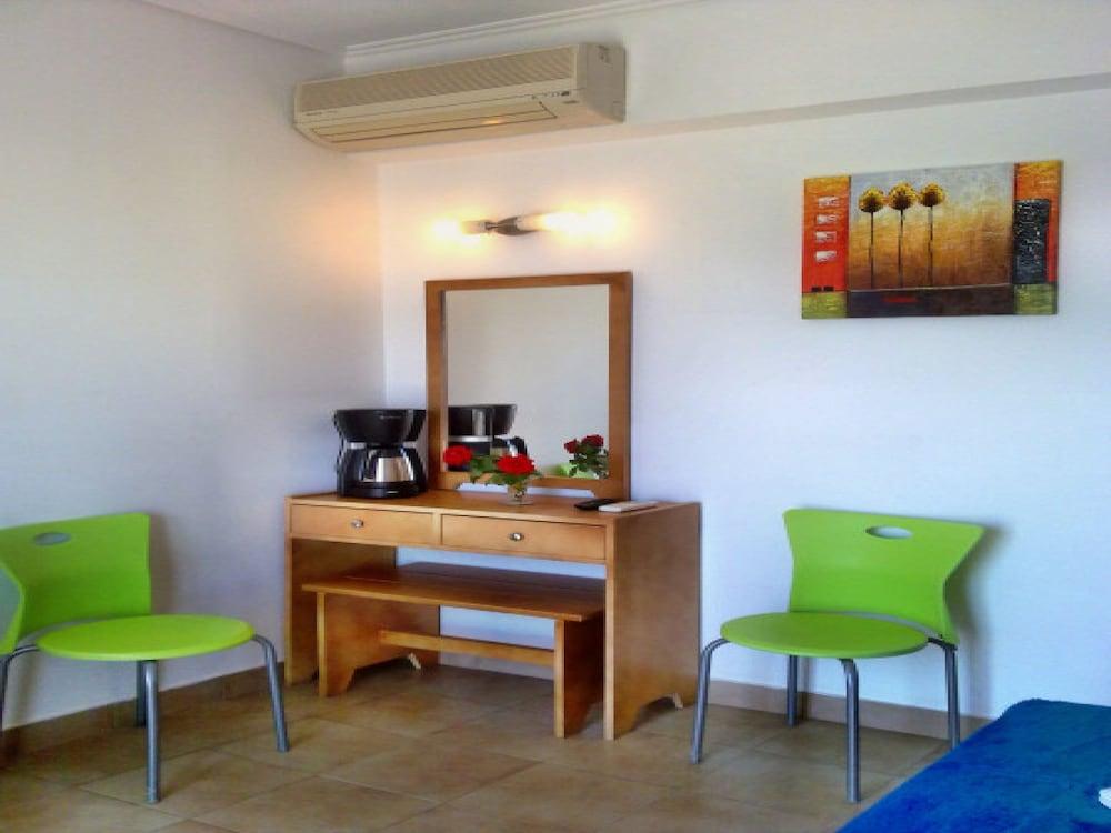코스 베이 호텔(Kos Bay Hotel) Hotel Image 18 - Living Area