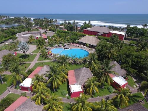 . Hotel Las Hojas Resort & Beach Club
