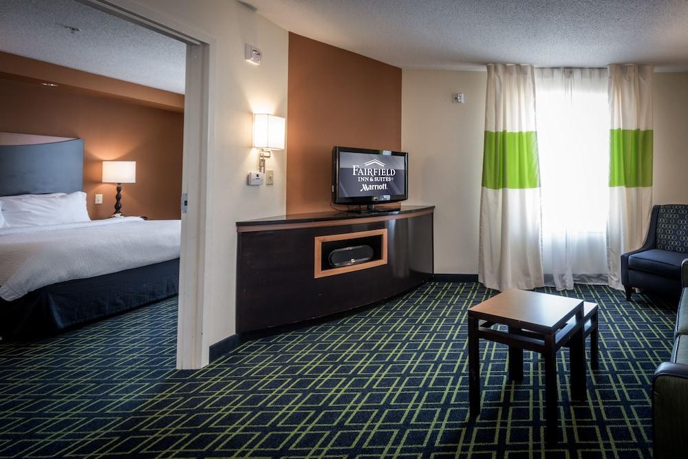 페어필드 인 & 스위트 바이 메리어트 투펠로(Fairfield Inn & Suites by Marriott Tupelo) Hotel Image 6 - Guestroom