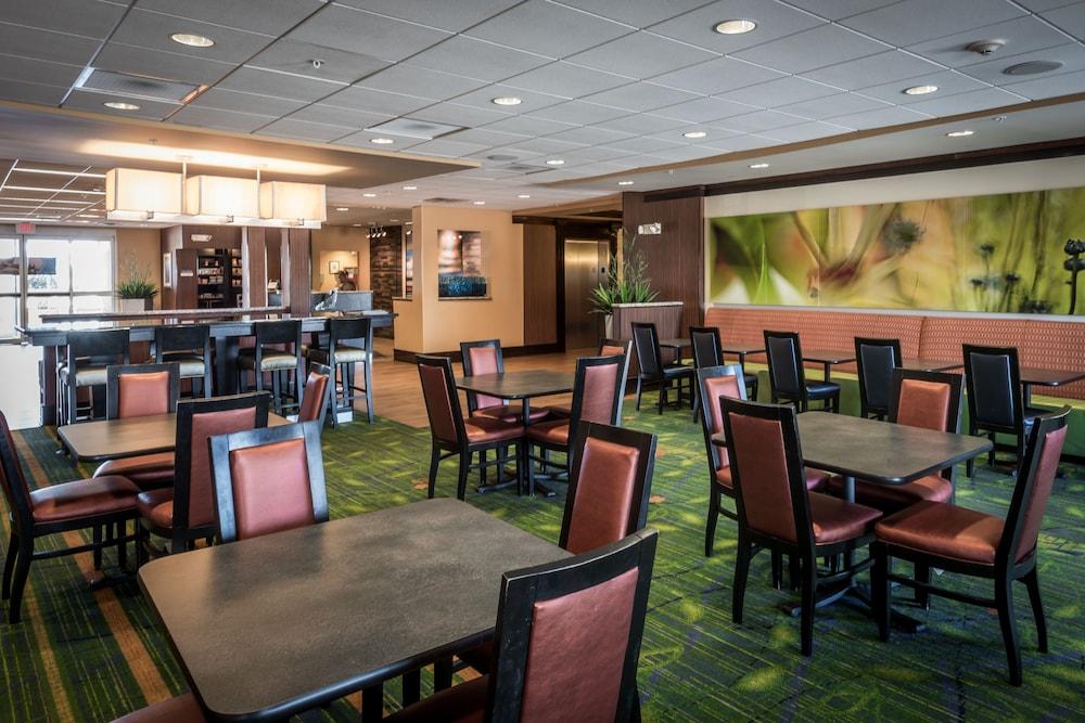 페어필드 인 & 스위트 바이 메리어트 투펠로(Fairfield Inn & Suites by Marriott Tupelo) Hotel Image 18 - Dining