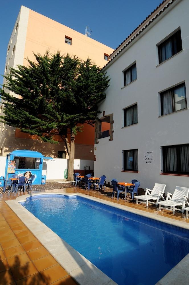 아파르타멘츠 AR 카리베(Apartaments AR Caribe) Hotel Image 1 -