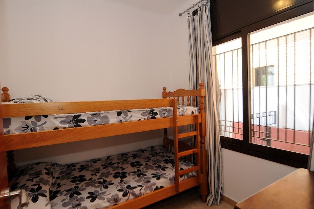 아파르타멘츠 AR 카리베(Apartaments AR Caribe) Hotel Image 8 - Guestroom