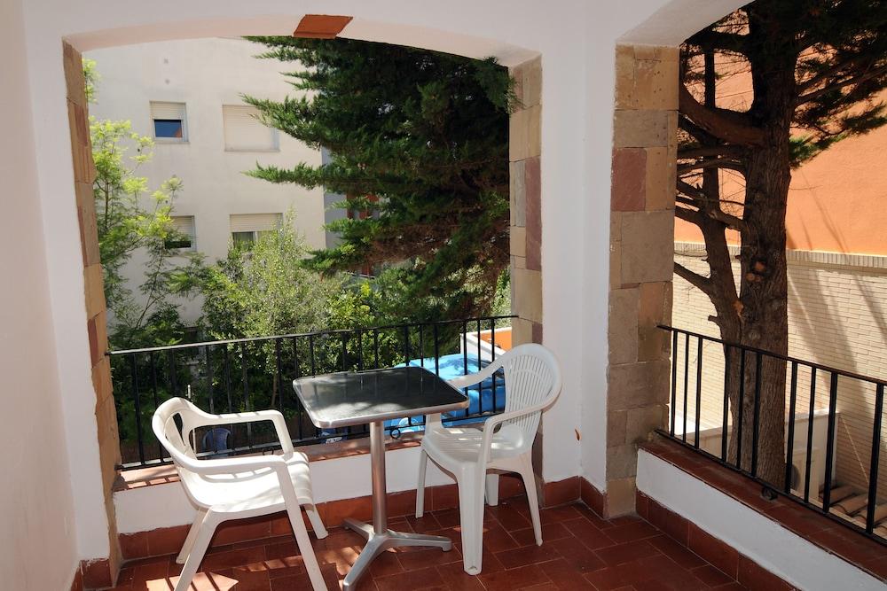 아파르타멘츠 AR 카리베(Apartaments AR Caribe) Hotel Image 15 - Terrace/Patio