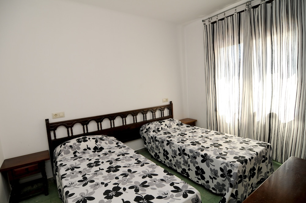 아파르타멘츠 AR 카리베(Apartaments AR Caribe) Hotel Image 3 - Guestroom