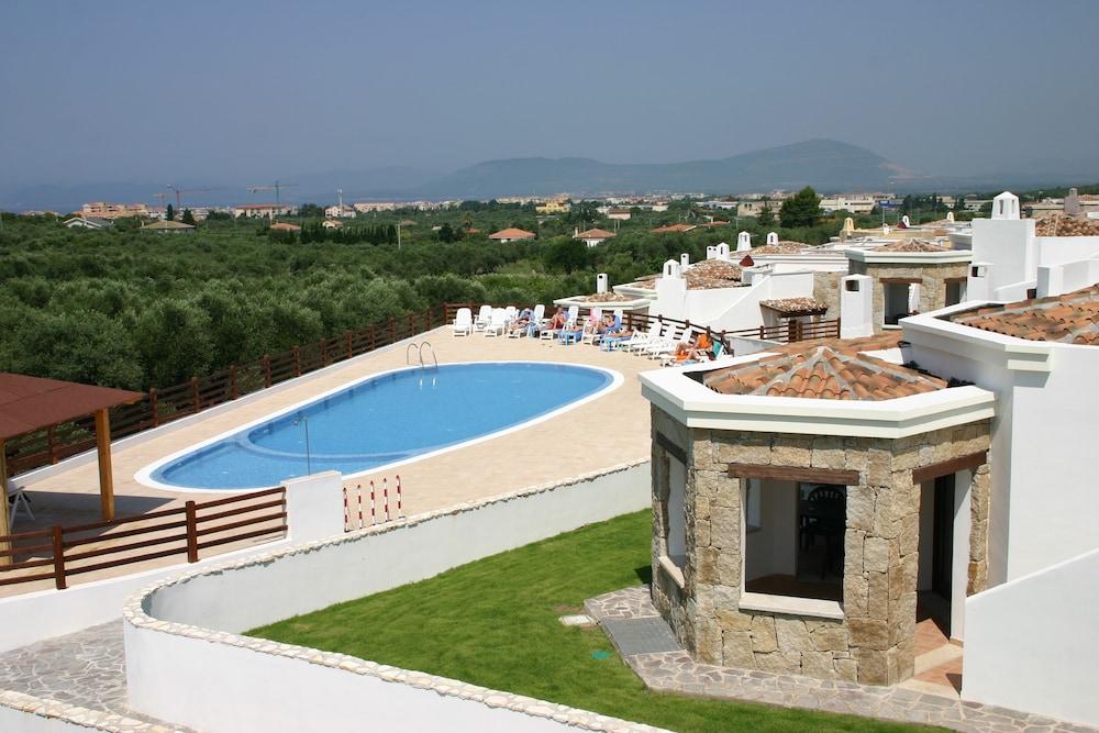 비스타 블루 리조트(Vista Blu Resort) Hotel Image 2 - Pool