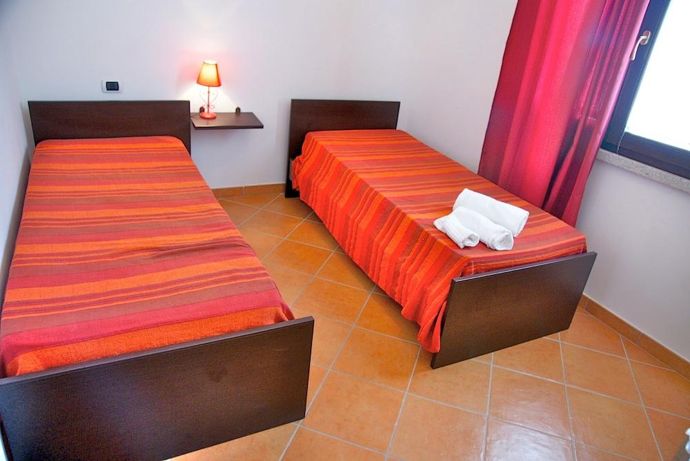 비스타 블루 리조트(Vista Blu Resort) Hotel Image 36 - Guestroom