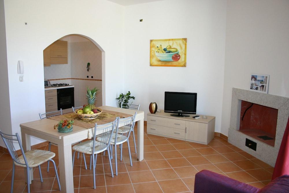 비스타 블루 리조트(Vista Blu Resort) Hotel Image 20 - Living Area