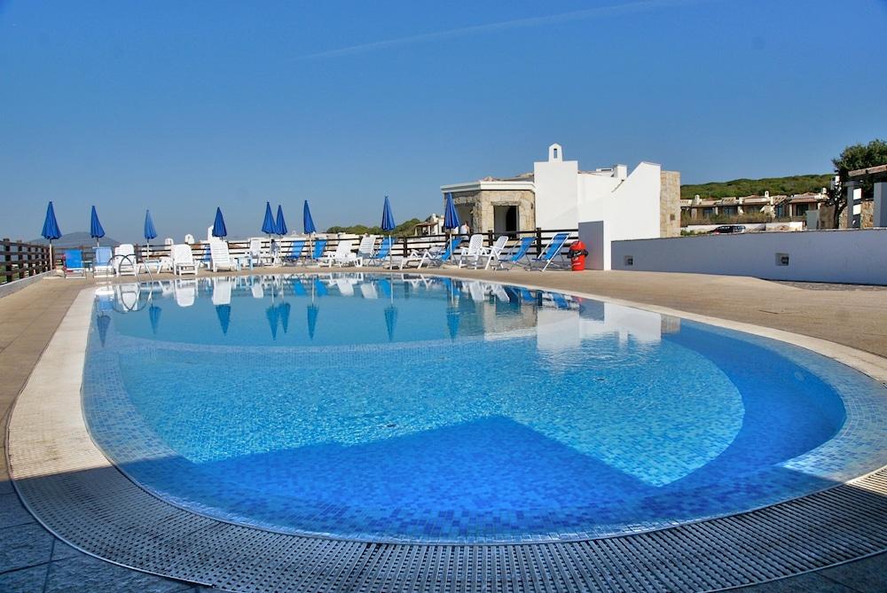 비스타 블루 리조트(Vista Blu Resort) Hotel Image 3 - Pool
