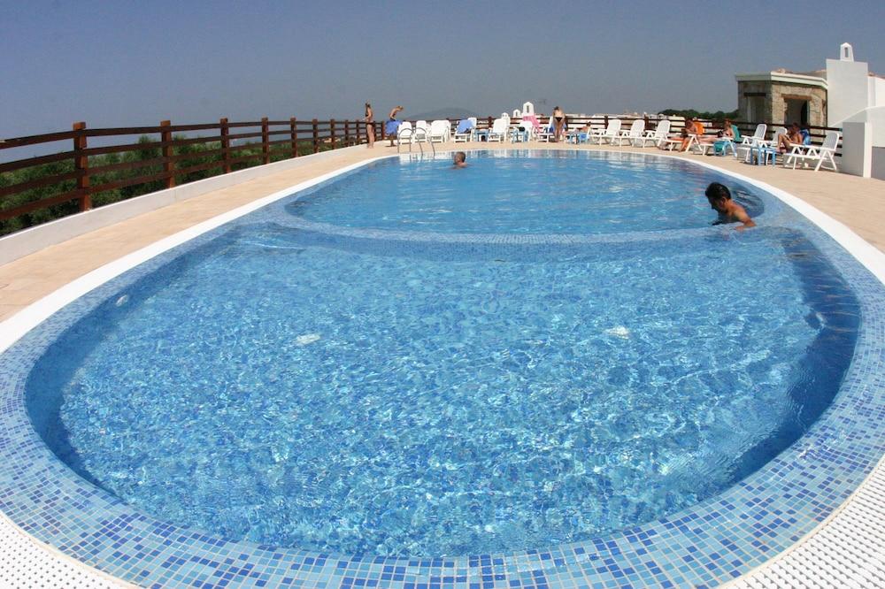 비스타 블루 리조트(Vista Blu Resort) Hotel Image 7 - Pool