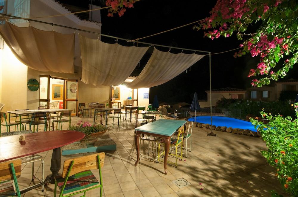 레지던스 보우간빌리지(Residence Bouganvillage) Hotel Image 37 - Porch