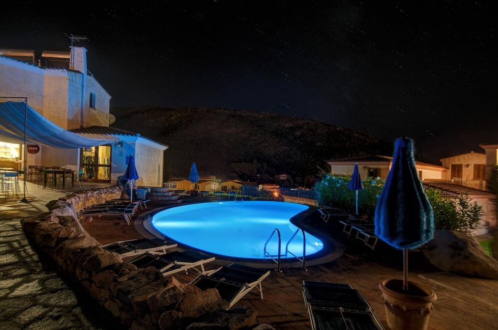 레지던스 보우간빌리지(Residence Bouganvillage) Hotel Image 2 - Pool