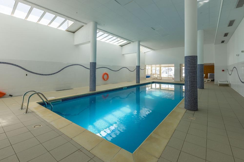 레지던스 레 시메 뒤 발 달로(Résidence Les Cimes du Val d'Allos) Hotel Image 18 - Indoor Pool