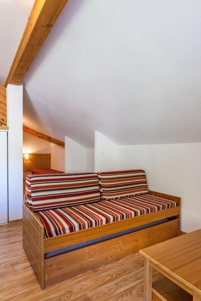 레지던스 레 시메 뒤 발 달로(Résidence Les Cimes du Val d'Allos) Hotel Image 12 - Living Area