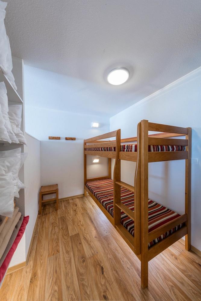 레지던스 레 시메 뒤 발 달로(Résidence Les Cimes du Val d'Allos) Hotel Image 7 - Guestroom