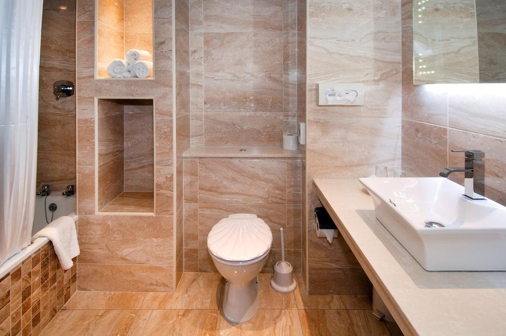 올드 위어 로지(Old Weir Lodge) Hotel Image 20 - Bathroom