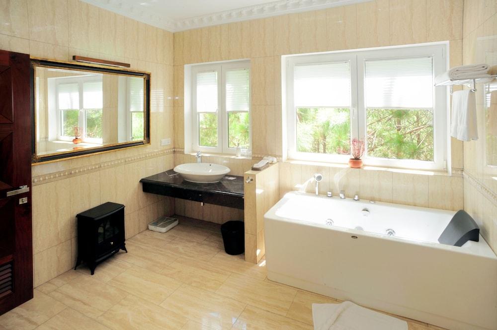 달랏 에덴시 레이크 리조트 & 스파(Dalat Edensee Lake Resort & Spa) Hotel Image 40 - Jetted Tub