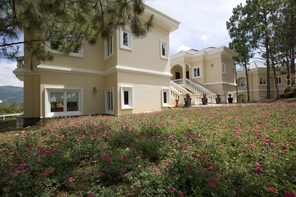달랏 에덴시 레이크 리조트 & 스파(Dalat Edensee Lake Resort & Spa) Hotel Image 32 - Guestroom View