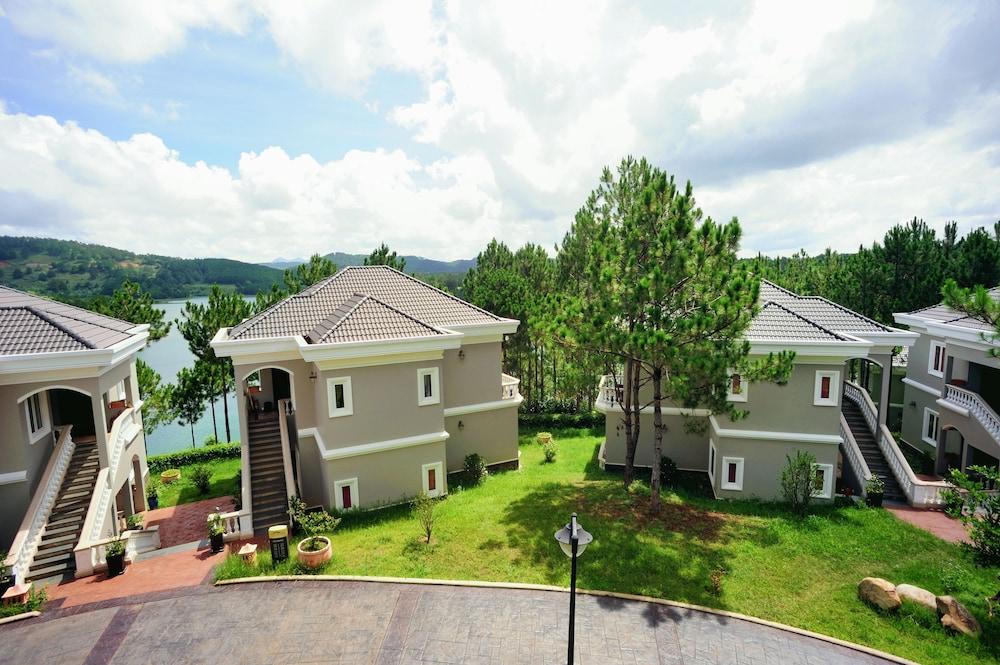 달랏 에덴시 레이크 리조트 & 스파(Dalat Edensee Lake Resort & Spa) Hotel Image 16 - Living Area