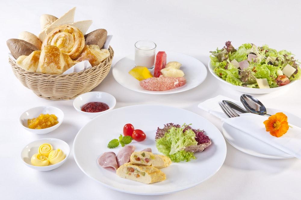 달랏 에덴시 레이크 리조트 & 스파(Dalat Edensee Lake Resort & Spa) Hotel Image 64 - Breakfast Area