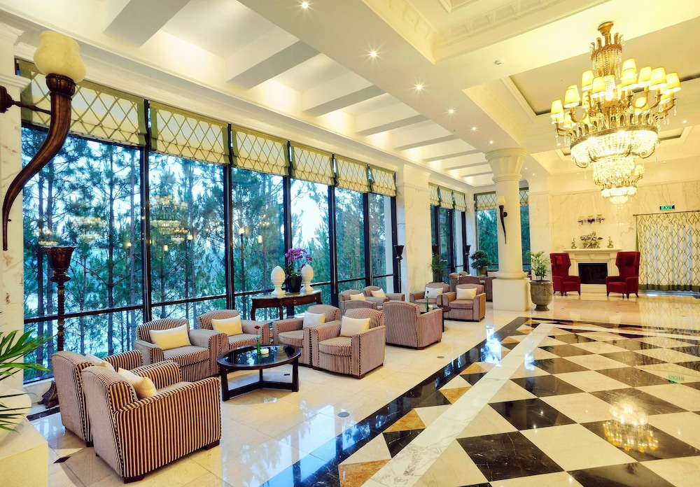달랏 에덴시 레이크 리조트 & 스파(Dalat Edensee Lake Resort & Spa) Hotel Image 83 - Hotel Lounge