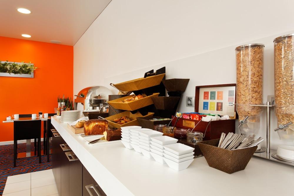 홀리데이 인 익스프레스 스타스부르크-수드(Holiday Inn Express Strasbourg - Sud) Hotel Image 28 - Restaurant