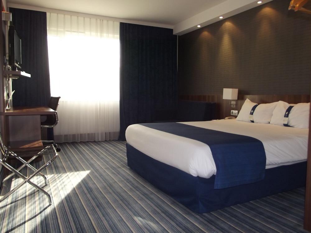 홀리데이 인 익스프레스 스타스부르크-수드(Holiday Inn Express Strasbourg - Sud) Hotel Image 6 - Guestroom