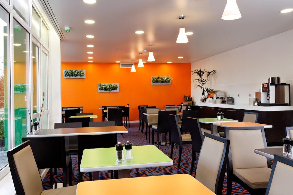 홀리데이 인 익스프레스 스타스부르크-수드(Holiday Inn Express Strasbourg - Sud) Hotel Image 29 - Restaurant