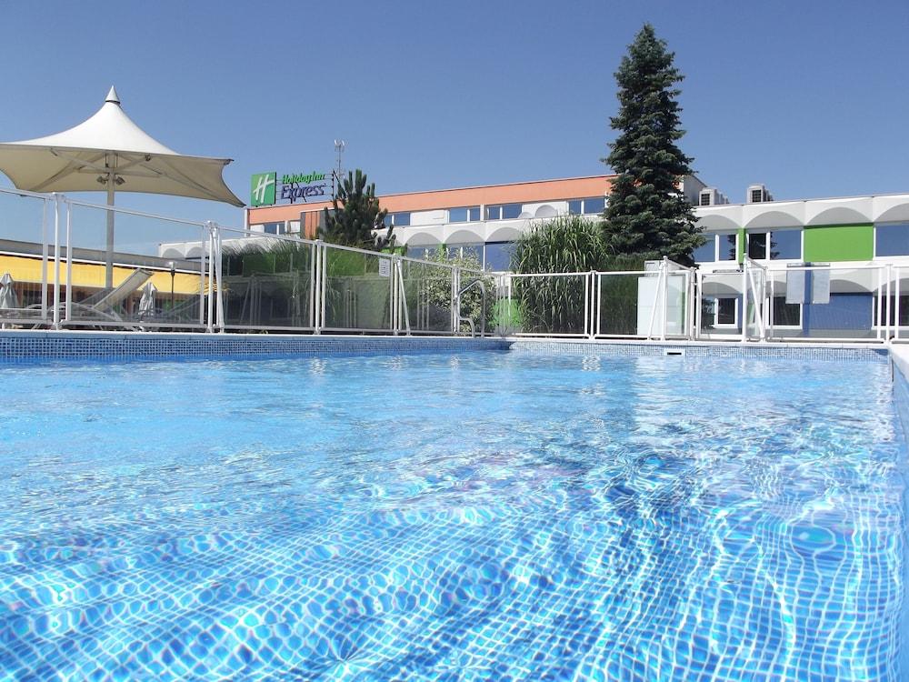 홀리데이 인 익스프레스 스타스부르크-수드(Holiday Inn Express Strasbourg - Sud) Hotel Image 0 - Featured Image